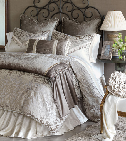 Image of Leblanc Super Queen Bed Set