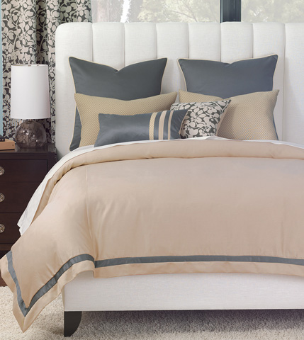 Image of Dempsey Queen Bed Set