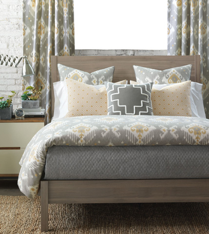 Image of Downey Queen Bed Set