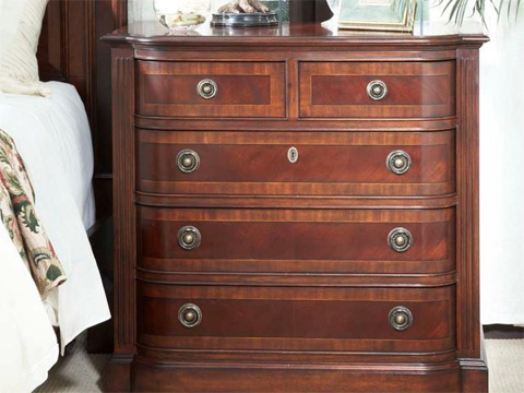 Fine Furniture Design - Bachelors Chest with 5 Drawers - 920-114