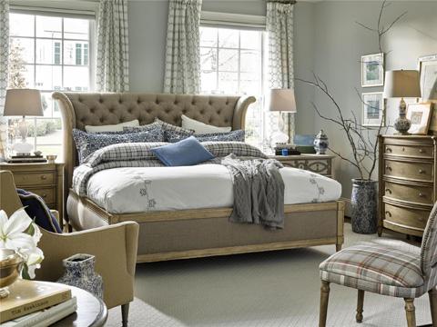 Fine Furniture Design - Daventry Upholstered King Bed - 1570-467/468/469