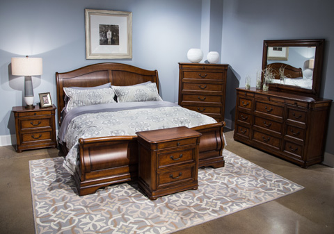 Image of Raylen Vineyards Collection Queen Bedroom Set