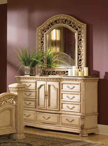 Flexsteel - Cordoba Antiguo Blanco Dresser - W1636-862