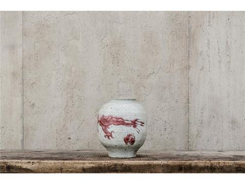 Image of Red Glazed Ming Dynasty Dragon Pot