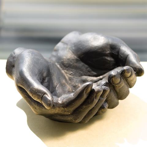 Global Views - Iron Hand Bowl - 8.80778