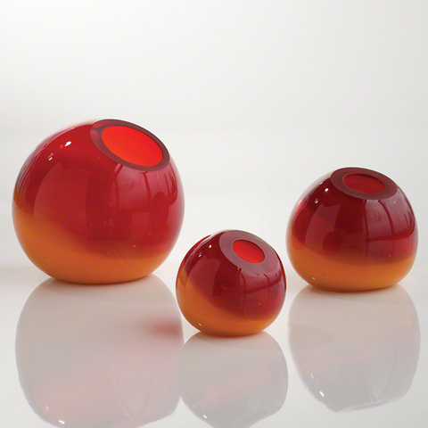 Global Views - Ombre Ball Vase - 8.81617