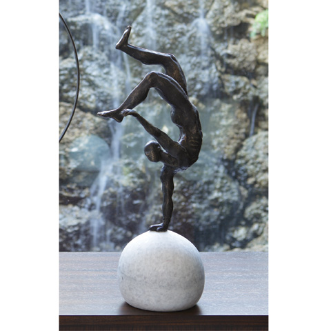 Global Views - One Hand Balancing Act - 8.81676
