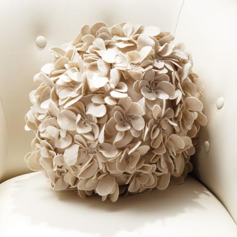 Global Views - Komaki Ball Pillow - 9.91337