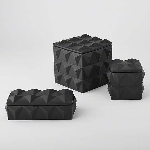 Global Views - Braque Box in Matte Black - D8.80140