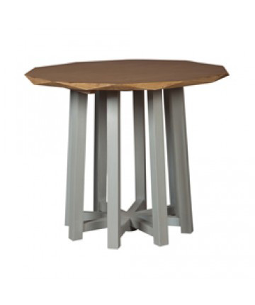 Guildmaster - Manor Accent Table - 714530