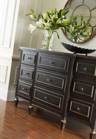 Image of Classic Nine Drawer Chest