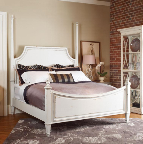 Image of High/Low Pencil Post Queen Bed