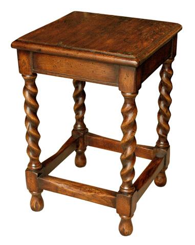GJ Styles - Small Occassional Table in Oak - JK178