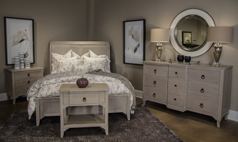 Image of Sutton's Bay Collection Queen Bedroom Set