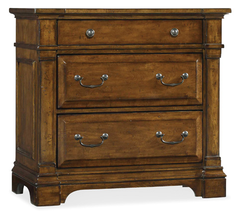 Hooker Furniture - Three Drawer Bachelors Chest - 5323-90017