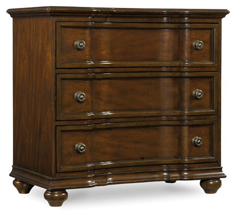 Image of Leesburg Three Drawer Bachelors Chest