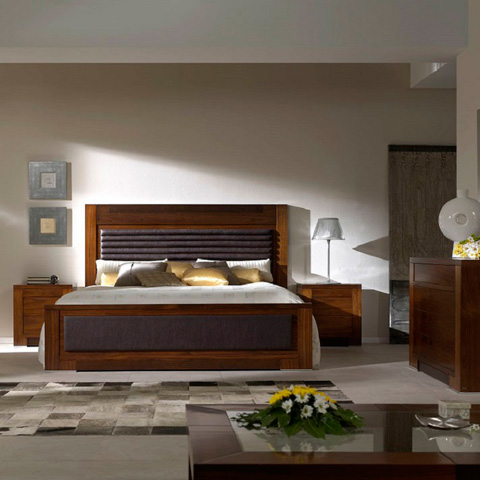 Hurtado - Bed-Upholstered - 3K3831