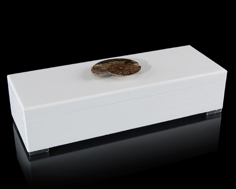 John Richard Collection - White Box with Agate Accent - JRA-9877