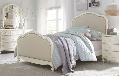 Image of Full Victoria Upholstered Panel Bed