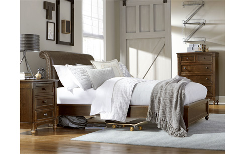 Legacy Classic Furniture - Full Monterey Platform Bed - 4920-4844K