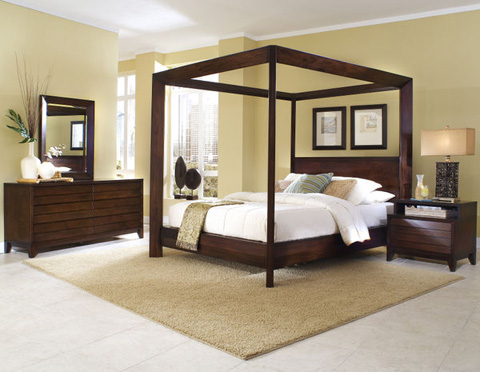 Image of King Poster Bed
