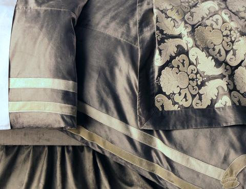 Lili Alessandra - Versailles Silver Velvet Duvet - LD173QSI