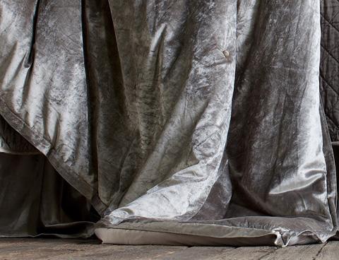 Lili Alessandra - Chloe Silver Velvet Bedding Package - CHLOESET7