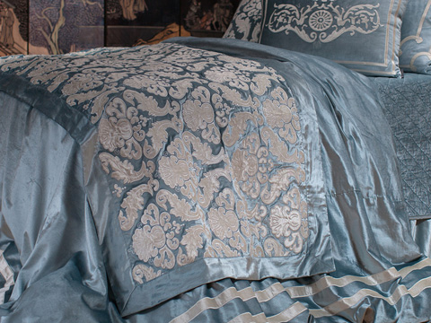 Lili Alessandra - Versailles Throw - LT173SB
