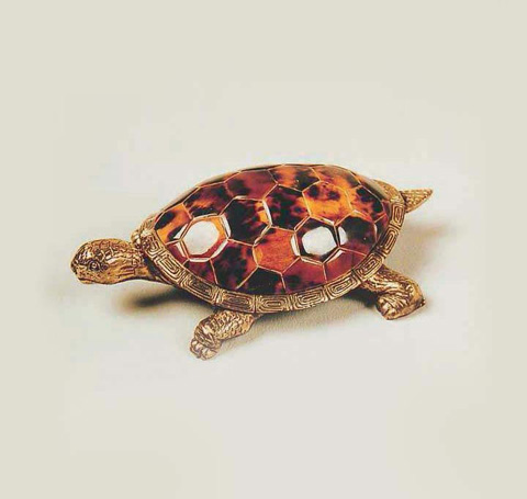 Maitland-Smith - Young Penshell and Brass Turtle - 1054-530