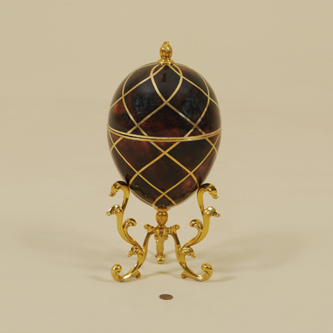 Maitland-Smith - Red Penshell Inlaid Egg Shaped Box - 1100-566