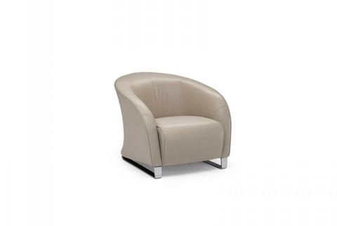 Image of Liz Club Chair