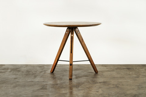 Nuevo - Theo Side Table - HGDA424