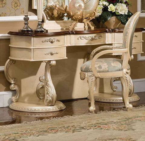 Image of Cleopatra Dresser