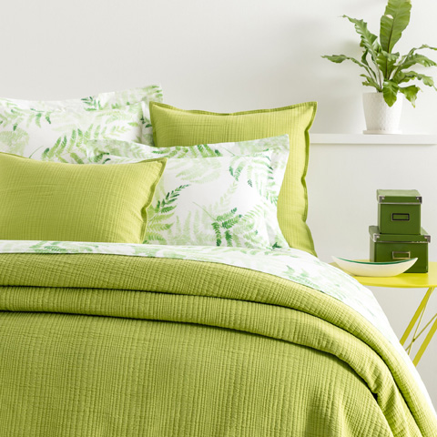 Image of Kelly Green Matelassé Queen Coverlet