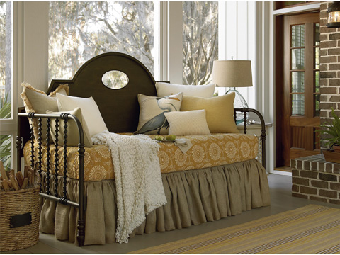 Universal Furniture - River House Low Country Day Bed - 393200