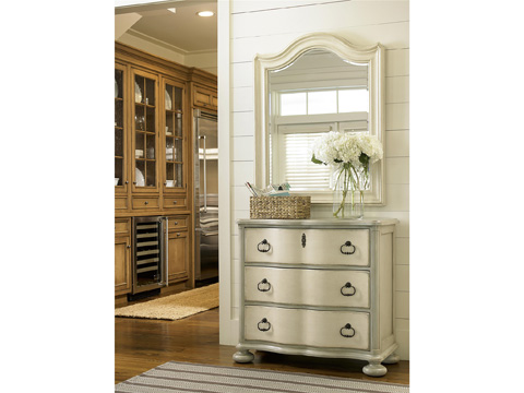 Universal Furniture - River House Paula's Other Favorite Chest - 396360