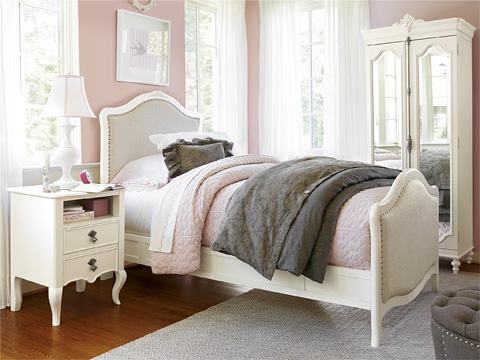 Image of Genevieve's Twin Bed