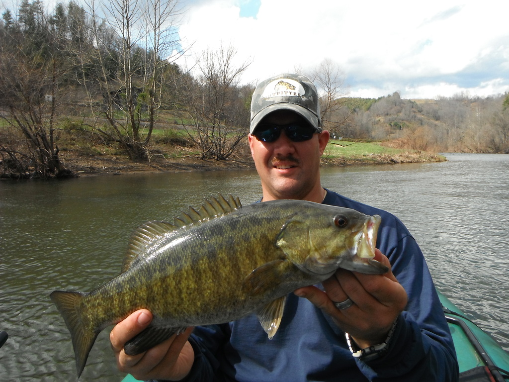 Smallmouth muskie float with rivers edge outfitters on gone for Nolichucky river fishing