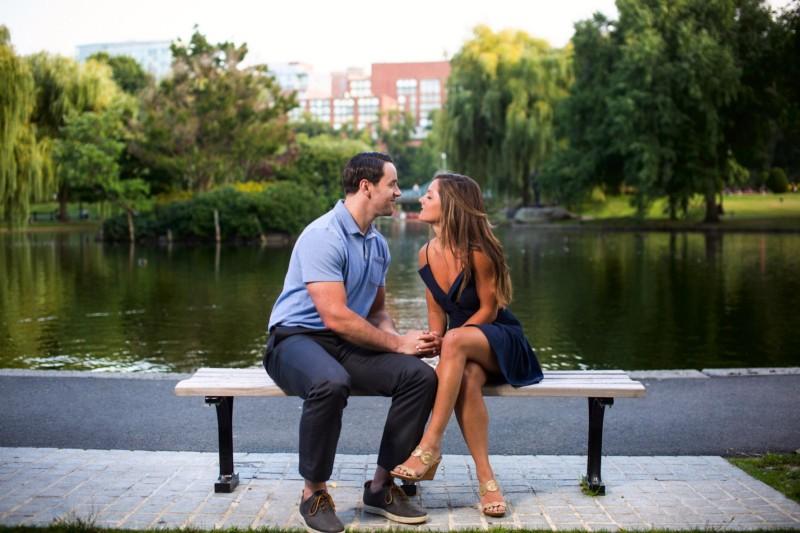 Boston engagement pictures at public garden