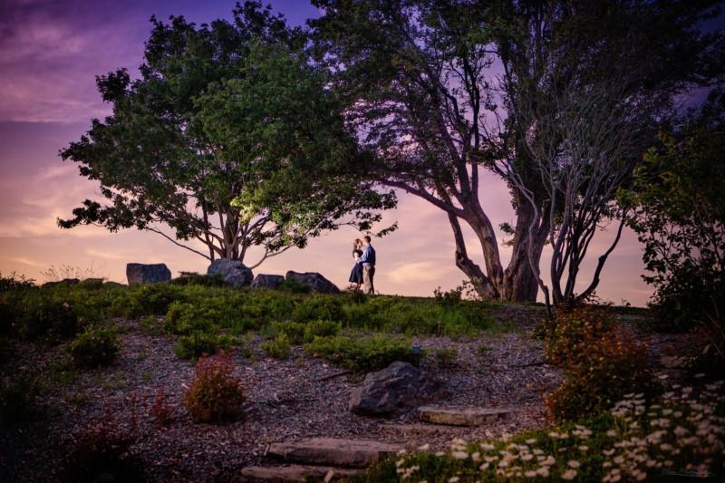 engagement picture at fort williams park in cape elizabeth maine