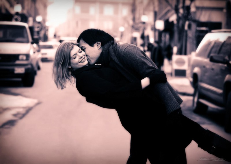 kissing in the street