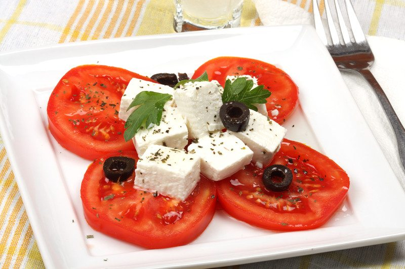 sliced tomato feta