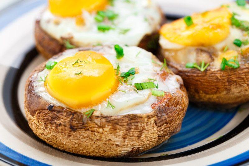 Baked Eggs in Prosciutto-Filled Portobello Mushroom Caps