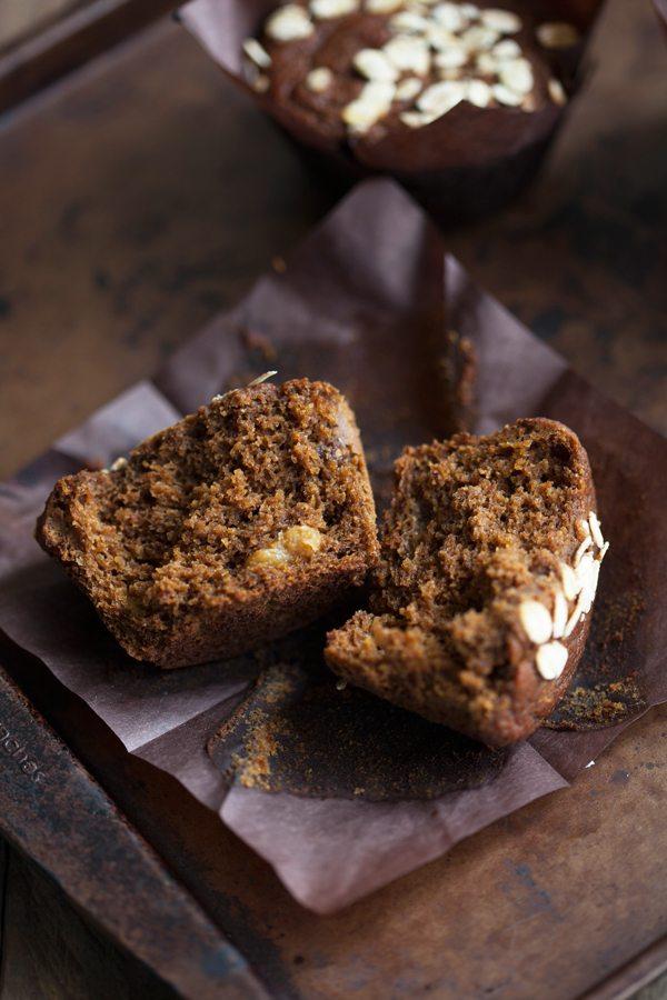 Pumpkin Gingerbread Spice Muffins