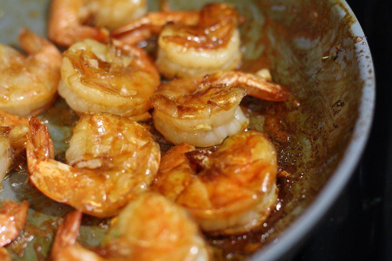 honey garlic shrimp cooking
