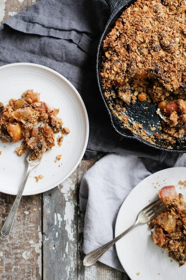 Pear, Apple and Pistachio Crumble