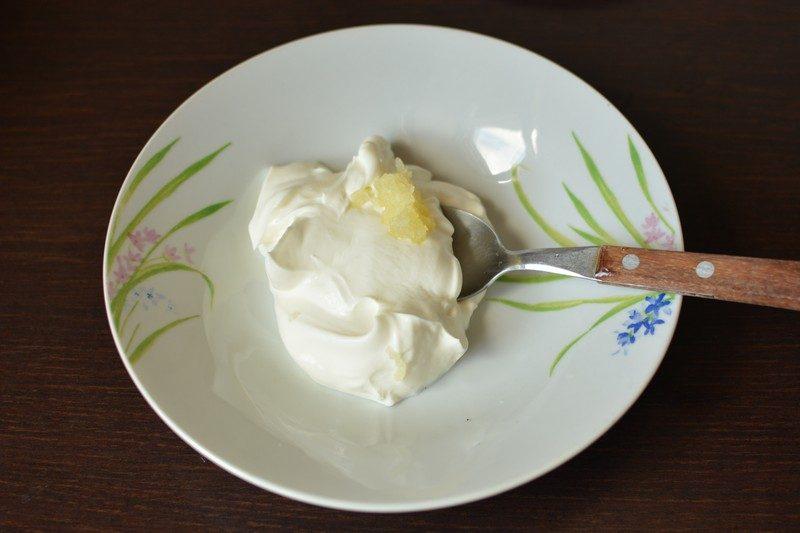 Adding garlic to the marinade