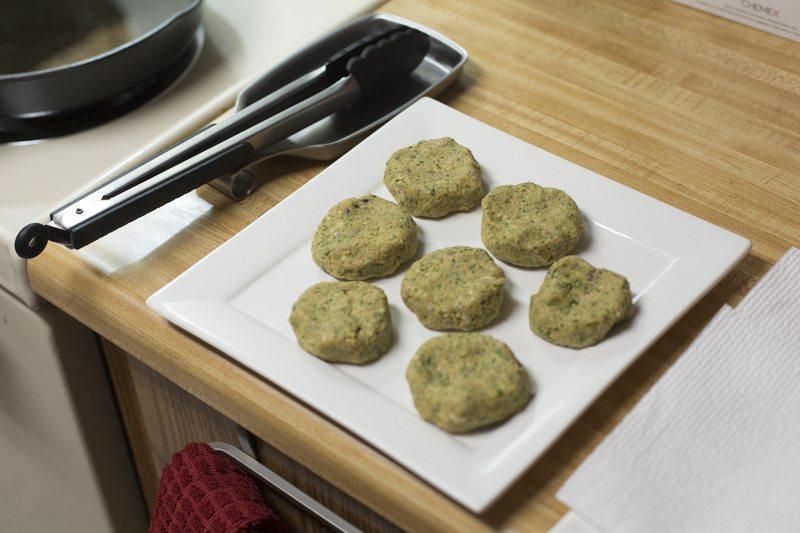 Falafel Pita Prep Sandwich Raw Kitchen Counter