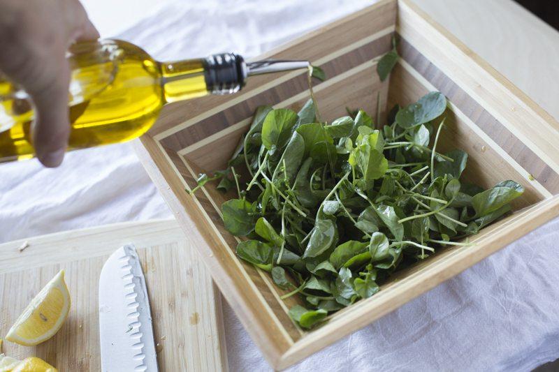 Watercres Salad Pour Olive Oul Wood Bowl Lemon Knife