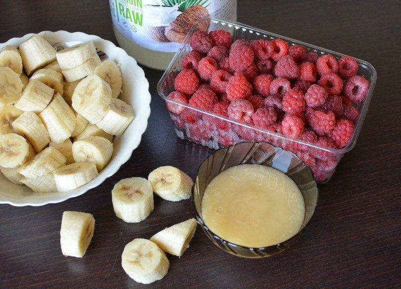 Raspberry ice cream ingredients